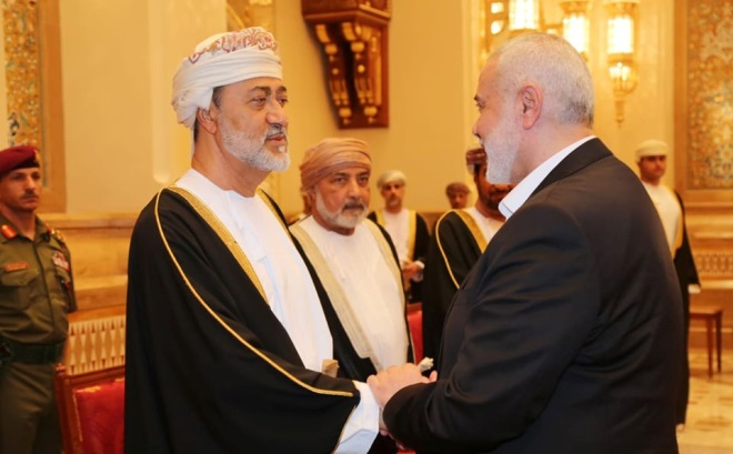 Isma'il Haniyeh with the new sultan of Oman (Hamas website, January 12, 2020).