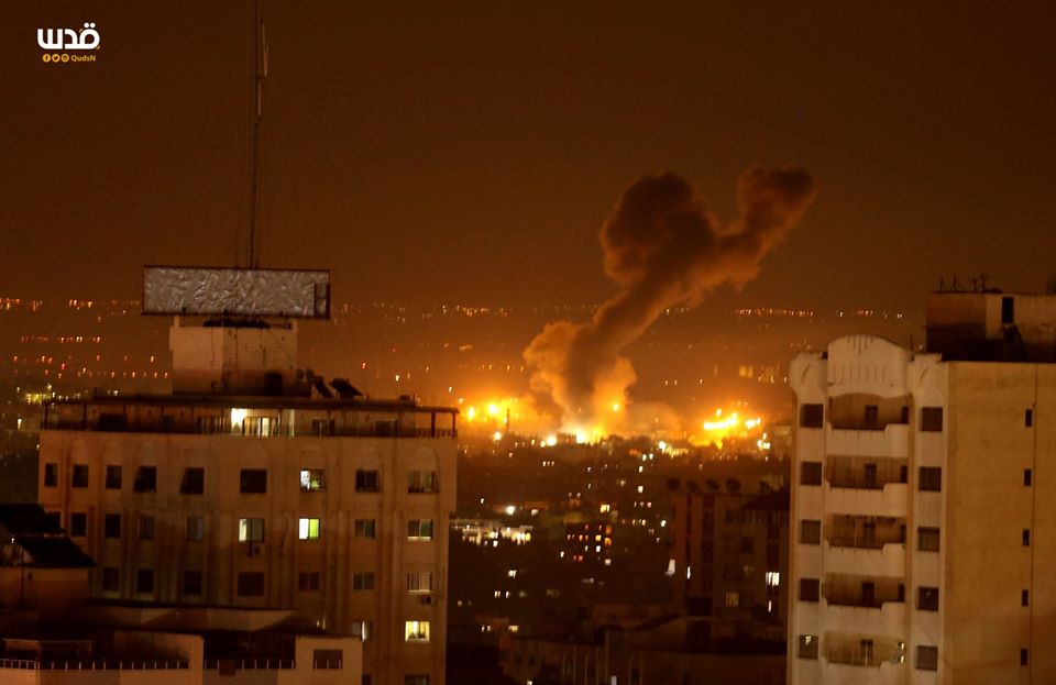 IDF planes attack the Gaza Strip during the night (QudsN Facebook page, January 16, 2020).