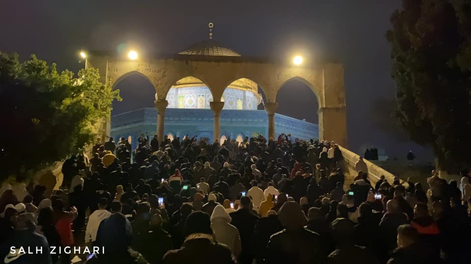Worshippers arrive at al-Aqsa mosque for the morning prayer (QudsN Facebook page, January 17, 2020).