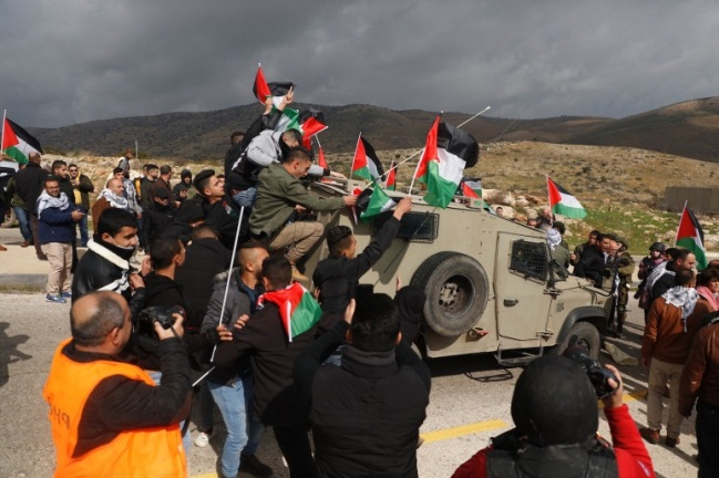 Palestinian protesters march to a roadblock in the northern Jordan Valley and clash with IDF forces (Wafa, January 29, 2020).