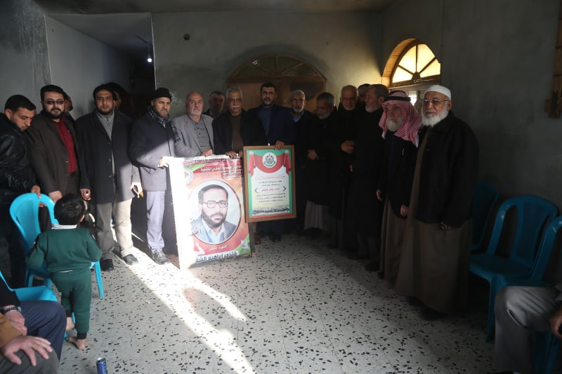 Launching terrorist campaign to visit the families of the shaheeds began at the house of Ahmed al-Ja'abari in Gaza City (right) and Fathi Shqaqi in Rafah (left) (Hamas website, February 15, 2020).