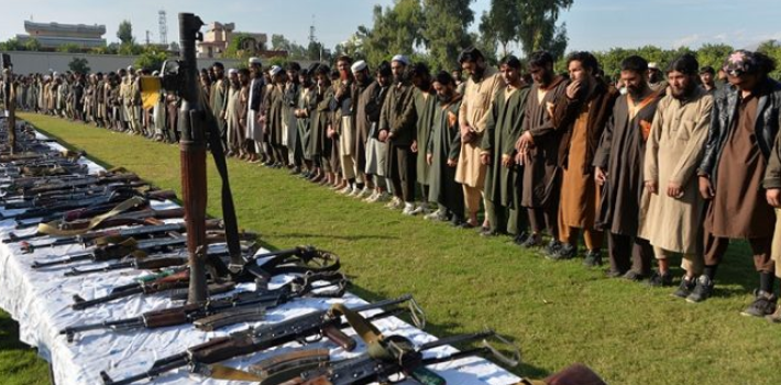 Mass surrender of ISIS operatives to the Afghan security forces in the Nangarhar Province (Afghanistan Times, December 1, 2019)