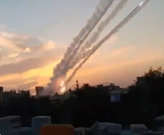 Palestinian video of rockets fired from the Gaza Strip into Israeli territory (Palinfo Twitter account, February 23, 2020).