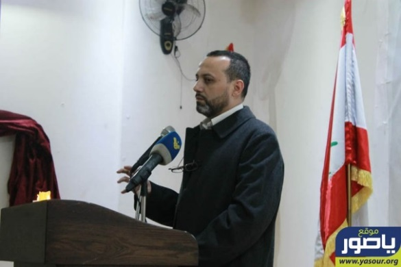 "Sheikh Moussa Daher, the association director, delivering a speech at the book launch for ""Montasser"" (""The Victor"") about the life of the shaheed student Mohammad Hossein Jouni, who was killed on the Syrian-Lebanese border (Ya Sour website, November 29, 2018)"