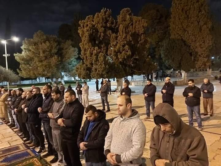 The last prayer held on the Temple Mount before the announcement of the ministry of Islamic endowments (Palinfo Twitter account, March 22, 2020).