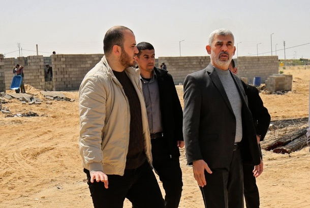 Yahya al-Sinwar, head of the Hamas political bureau in the Gaza Strip visits the construction site in Rafah where the hospital is being built for coronavirus patients (Palestine Online Twitter account, March 23, 2020).