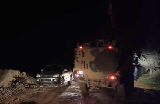 Turkish army vehicles on the first patrol without an escort of Russian vehicles (Enab Baladi, March 20, 2020)