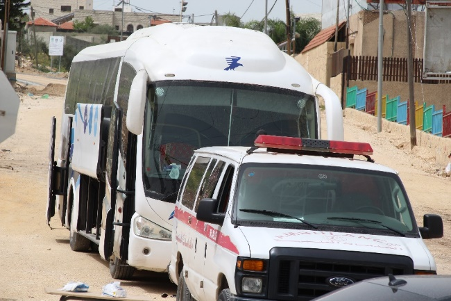 A bus designated for carrying Palestinian workers returning from Israel to quarantine in Tulkarm (Wafa, March 27, 2020).