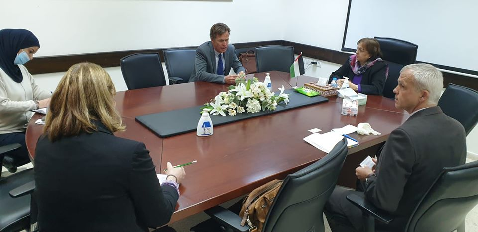 The PA minister of health meets in the PA with the EU representative (Facebook page of the PA ministry of health, March 26, 2020).