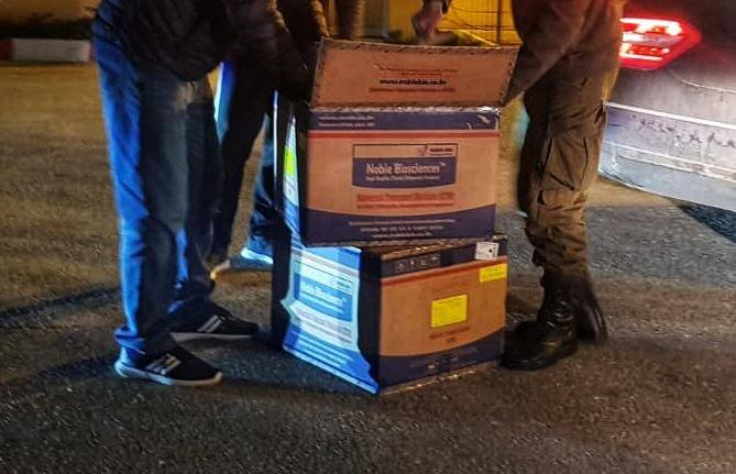 Delivery of 1,500 COVID-19 test kits to the PA (Israeli Coordinator of Government Activities in the Territories' Facebook page in Arabic, March 29, 2020).