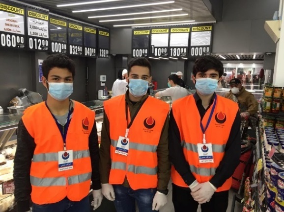 Health supervision patrol of the Islamic Health Organization in food stores in Zabadin, southern Lebanon (Rassed Network's Facebook page, March 26, 2020).