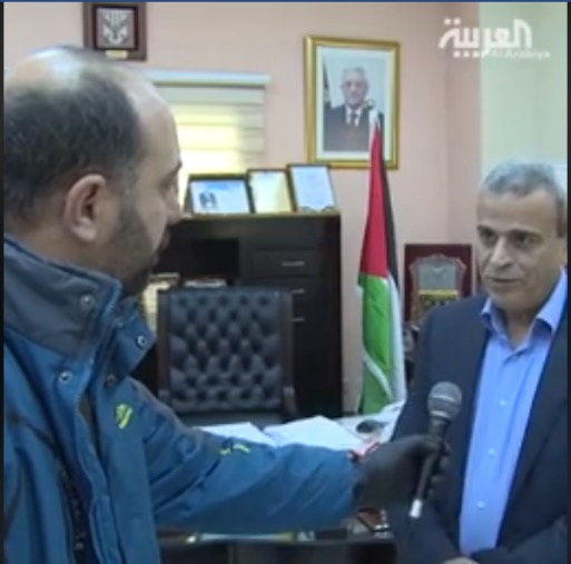 Rafa' Rawajbeh, governor of the Qalqilya district, interviewed by al-Arabiya TV, accuses Israel of opening sewage and water channels to allow Palestinian workers to return to the PA without Palestinian inspection (Facebook page of the governor of the Qalqilya district, April 10, 2020).