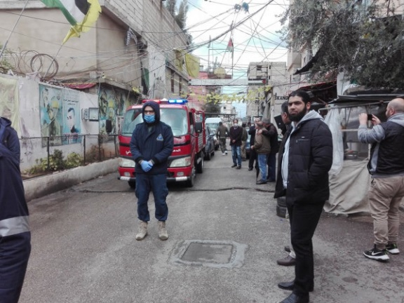 Emergency vehicles of the Palestinian Civilian Defense using loudspeakers to call on residents of the Ein al-Hilweh refugee camp to follow the instructions on protection from COVID-19 (Dunya Al-Watan, March 18, 2020).