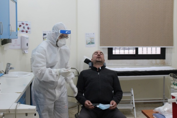 Increasing the number of tests and also starting to perform random tests among those who are asymptomatic, in the villages of Jabba (left) and Tibnit (right) (Rassed network's Facebook page, April 28-29, 2020)