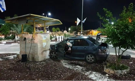 Vehicle at the Rihan Crossing after it rammed into a security post (Facebook page of the Crossings Authority in the Israeli ministry of defense, April 30, 2018).