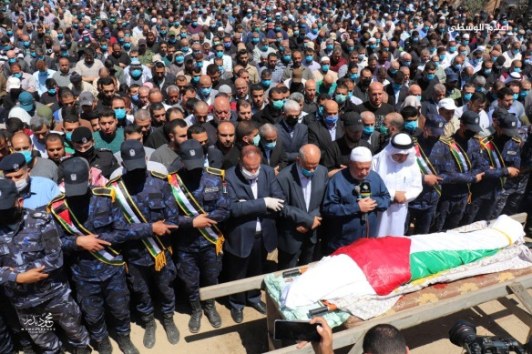 The funeral held for Ahmed al-Kader (Palinfo Twitter account, May 10, 2020).