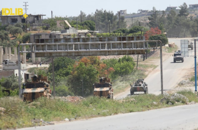 Armored vehicles of the Turkish army and the Russian Military Police during the tenth joint patrol (Idlib Plus Facebook page, May 12, 2020)