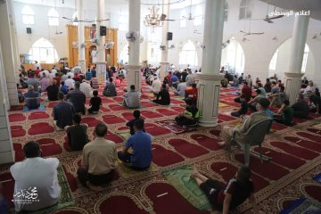 The Friday prayer in the Great Mosque in the al-Bureij refugee camp (Palinfo Twitter account, May 22, 2020).
