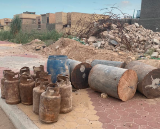IEDs made of barrels and gas canisters filled with explosives found in the area of Fallujah (al-hashed, May 23, 2020)