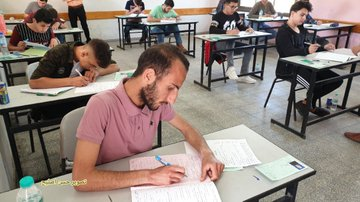 Gazan students take exams (Twitter account of journalist Hassan Aslih, May 30, 2020).