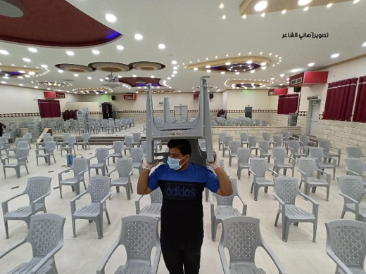 Preparing to reopen reception venues in Gaza (Right: QudsN Twitter account, June 3, 2020; left: Facebook page of journalist Hani al-Sha'ar, June 3, 2020).