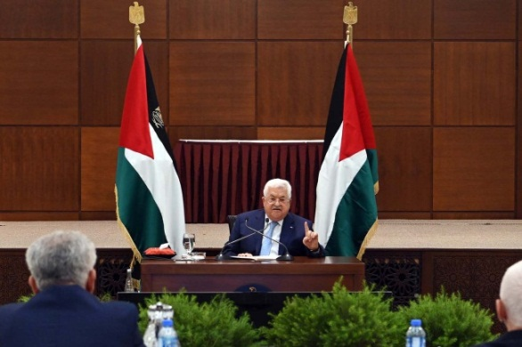 "Mahmoud Abbas delivering his speech in front of the Palestinian leadership. In his speech, he declared that the ""State of Palestine is absolved from all the agreements and understandings with the American and Israeli governments"" (WAFA, May 19, 2020)."
