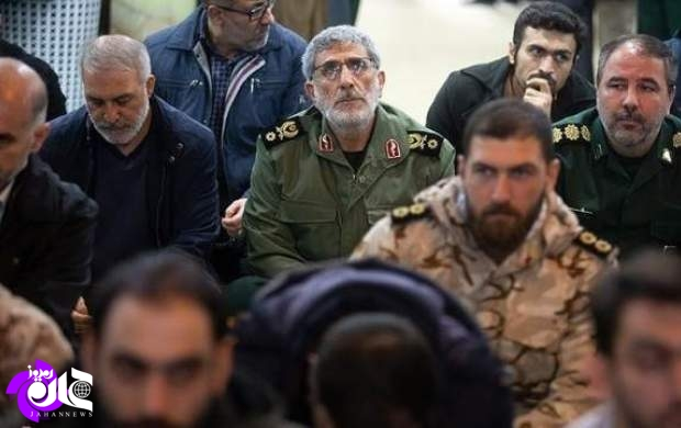 Esmail Qa'ani, the Commander of the IRGC's Qods Force (at the center of the image) (Jahan News, June 20, 2020)