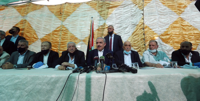 PA Prime Minister Muhammad Shtayyeh participates in a meeting held in the village of Fasa'el in the Jordan Valley (Wafa, June 24, 2020).