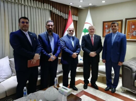 The meeting between the Iranian ambassador to Baghdad with the Iraqi ministers of health and environmental protection (IRNA, April 21, 2020).