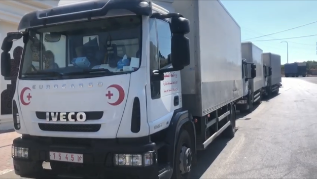 Delivering aid from the Palestinian ministry of health in Ramallah for the medical centers in Hebron (Facebook page of the Palestinian ministry of health, July 10, 2020)