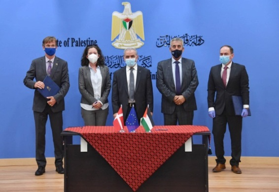 Signing the EU aid agreement for projects in Area C (Wafa, July 14, 2020).