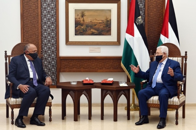 Mahmoud Abbas meets with Egyptian Foreign Minister Sameh Shoukry (Wafa, July 20, 2020).
