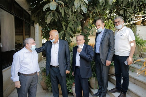Jibril Rajoub (second from left) and Qudri Abu Bakr meet with Sheikh Hassan Yousef (extreme left) (Jibril Rajoub's Facebook page, July 25, 2020).