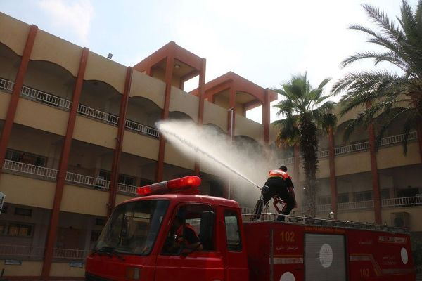 Disinfecting government schools in the Gaza Strip (Facebook page of the ministry of education in the Gaza Strip, August 7, 2020).