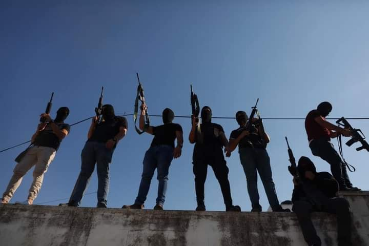 Armed operatives at the funeral held for Dalia Samoudi (QudsN Facebook page, August 7, 2020).