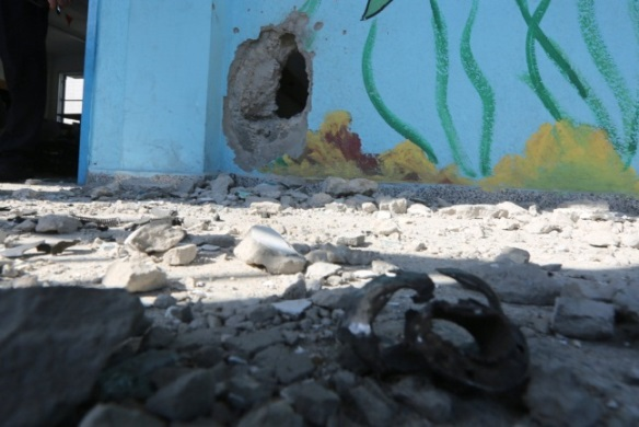 Damage done to the UNRWA school (Palinfo, August 13, 2020).
