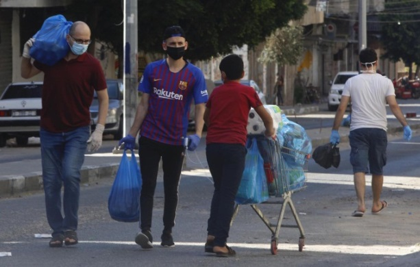 Gaza residents stock up on food (Wafa, August 27, 2020).