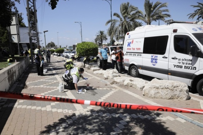 The scene of the stabbing attack at the Segula Junction in Petah Tikva (Shehab Facebook page, August 26, 2020).