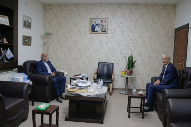 Jibril Rajoub meets with the Turkish consul-general to Jerusalem (Jibril Rajoub's Facebook page, August 27, 2020).