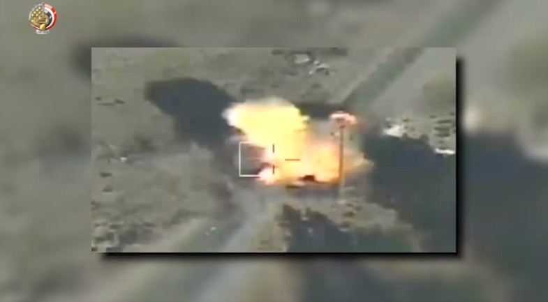 The Egyptian air force destroys an ISIS vehicle (Facebook page of the Egyptian army spokesman, August 30, 2020).