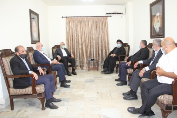 Hassan Nasrallah meets with the Hamas delegation.