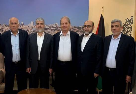 The Fatah delegation at a meeting with the Hamas leadership in Qatar. No masks, no social distancing (right to left): Izzat al-Rishq and Musa Abu Marzouq, members of Hamas' political bureau; Rawhi Fatouh, a member of Fatah's Central Committee; Khaled Mashaal, former head of Hamas' political bureau; and Jibril Rajoub, secretary of Fatah's Central Committee (Jibril Rajoub's Facebook page, September 26, 2020).