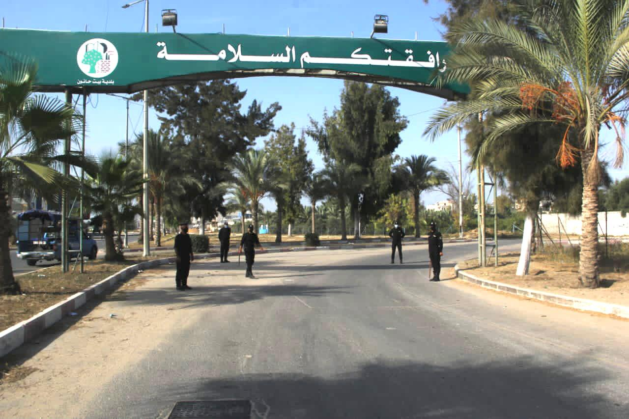 Police enforce the lockdown in Beit Hanoun (Twitter account of the ministry of the interior in Gaza, October 23, 2020).