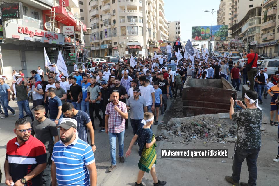 Parade held in the Qalandia refugee camp to mark Muhammad's birthday. No masks and no social distancing (Facebook page of east Jerusalem photojournalist Muhammad Qarout Idkaidek, October 30, 2020).