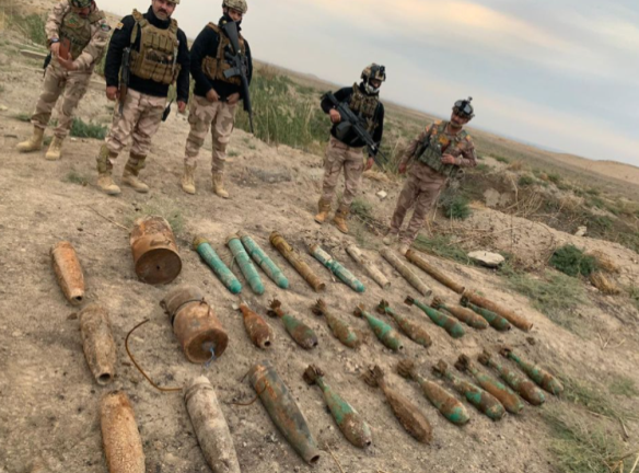ISIS IEDs and weapons located by the Iraqi army (Facebook page of the Iraqi Defense Ministry, November 22, 2020)