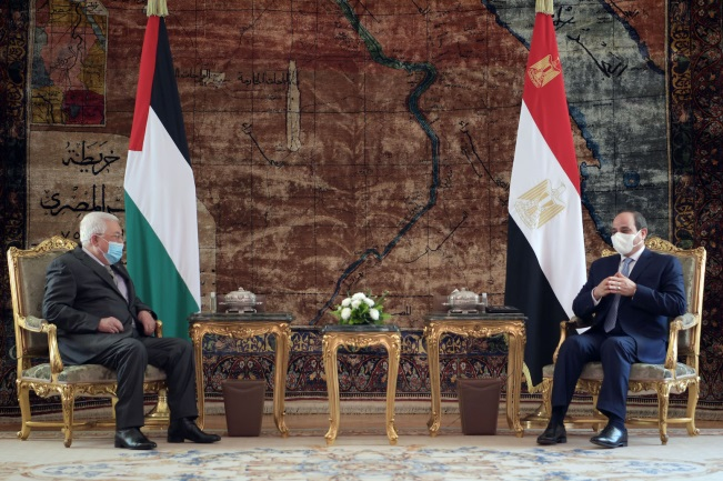 Mahmoud Abbas meets with Egyptian President el-Sisi in Cairo (Wafa, November 30, 2020).
