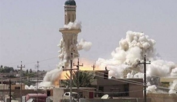 The Great Mosque being blown up by ISIS on June 21, 2017 (Telegram, June 22, 2017).
