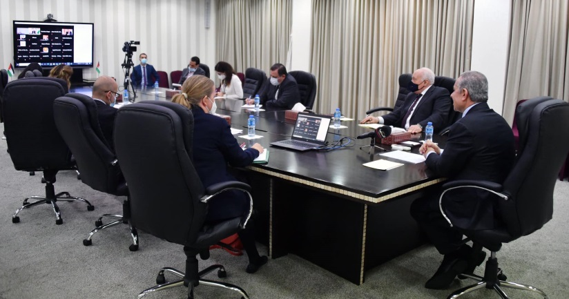 PA Prime Minister Muhammad Shtayyeh participates in a video conference with representatives from AHLC donor states (Muhammad Shtayyeh's Facebook page, December 2, 2020).
