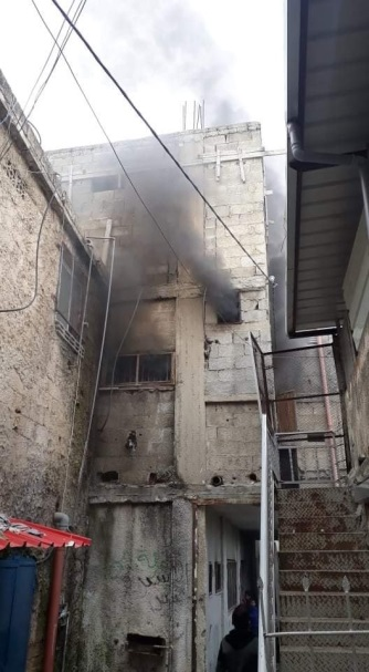 Clashes in the Balata refugee camp, setting a building on fire (al-Kofiya TV website, December 7, 2020).