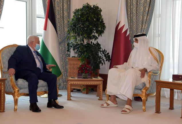 Mahmoud Abbas meets in Doha with the emir of Qatar (Mahmoud Abbas' Facebook page, December 14, 2020).